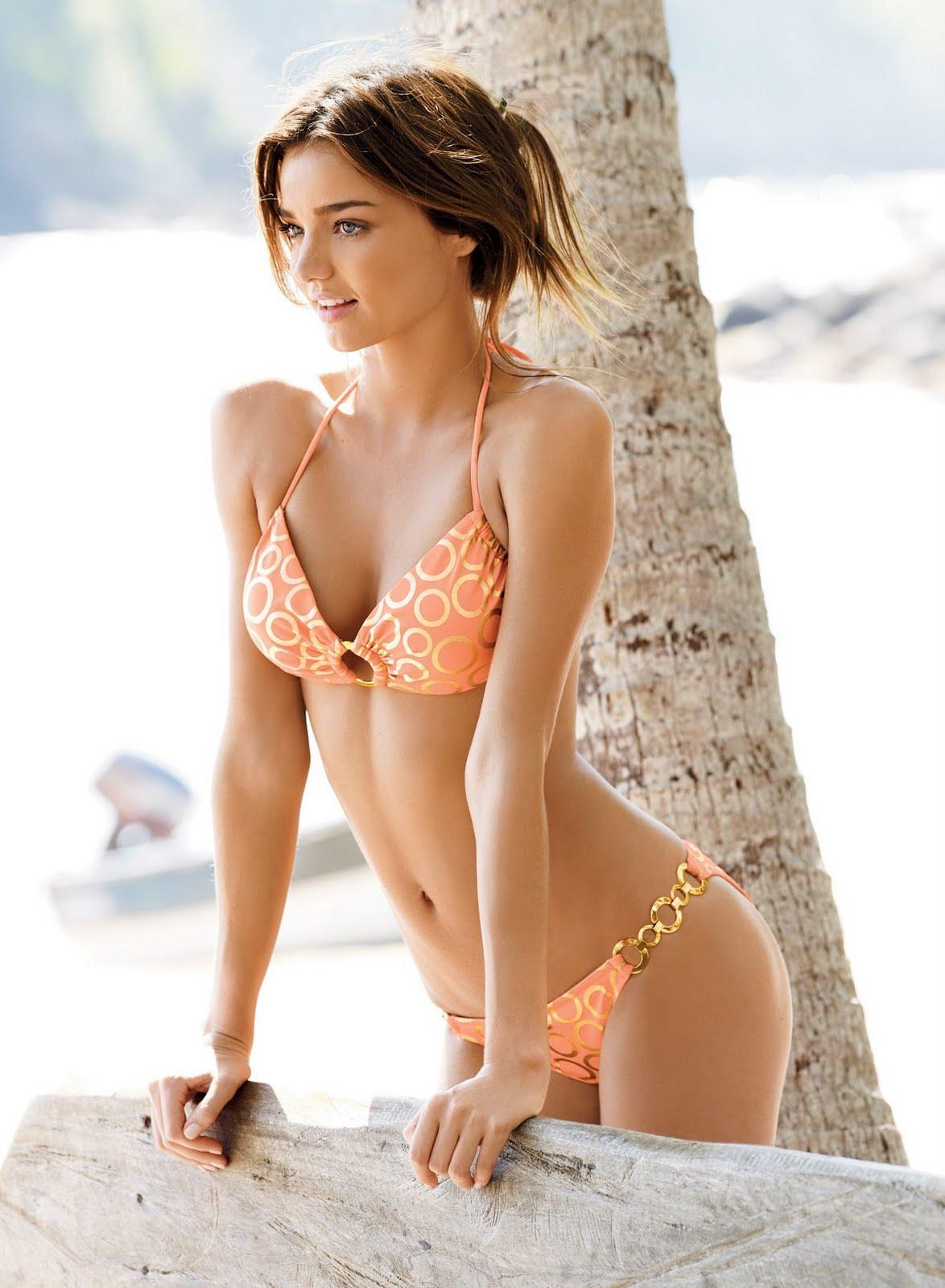 http://4.bp.blogspot.com/-2ag3XlIlv5c/TfecxUfOapI/AAAAAAAAAS0/MtEAx-MXyHI/s1600/miranda-kerr-bikini_001.jpg