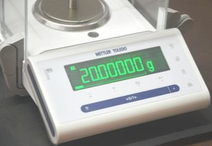 Analytical Balance Calibration in Pharmaceuticals