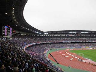 stadion-termegah-yokohama-stadium-1