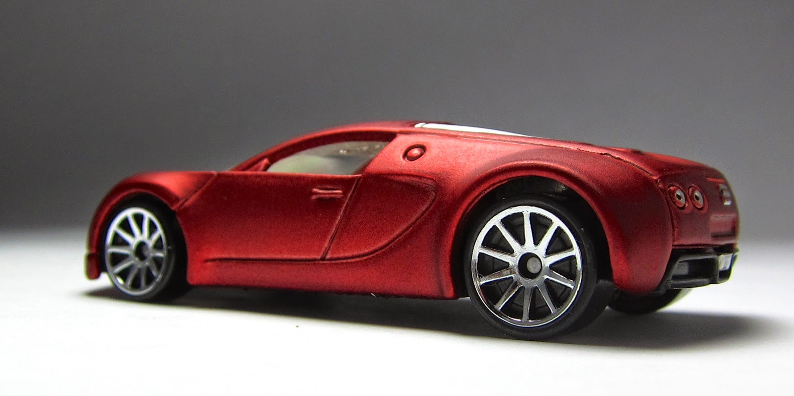 the lamley group model of the day 2010 hot wheels walmart exclusive bugatti veyron. Black Bedroom Furniture Sets. Home Design Ideas