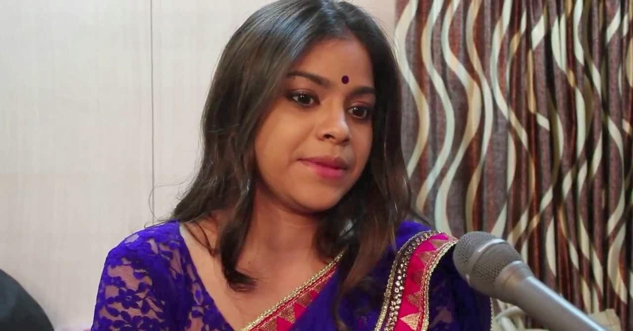 Sumona Chakraborty nude malfunction photos HD