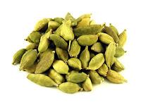 Cardamom (Choti Ilachi) home remedy for bad breath