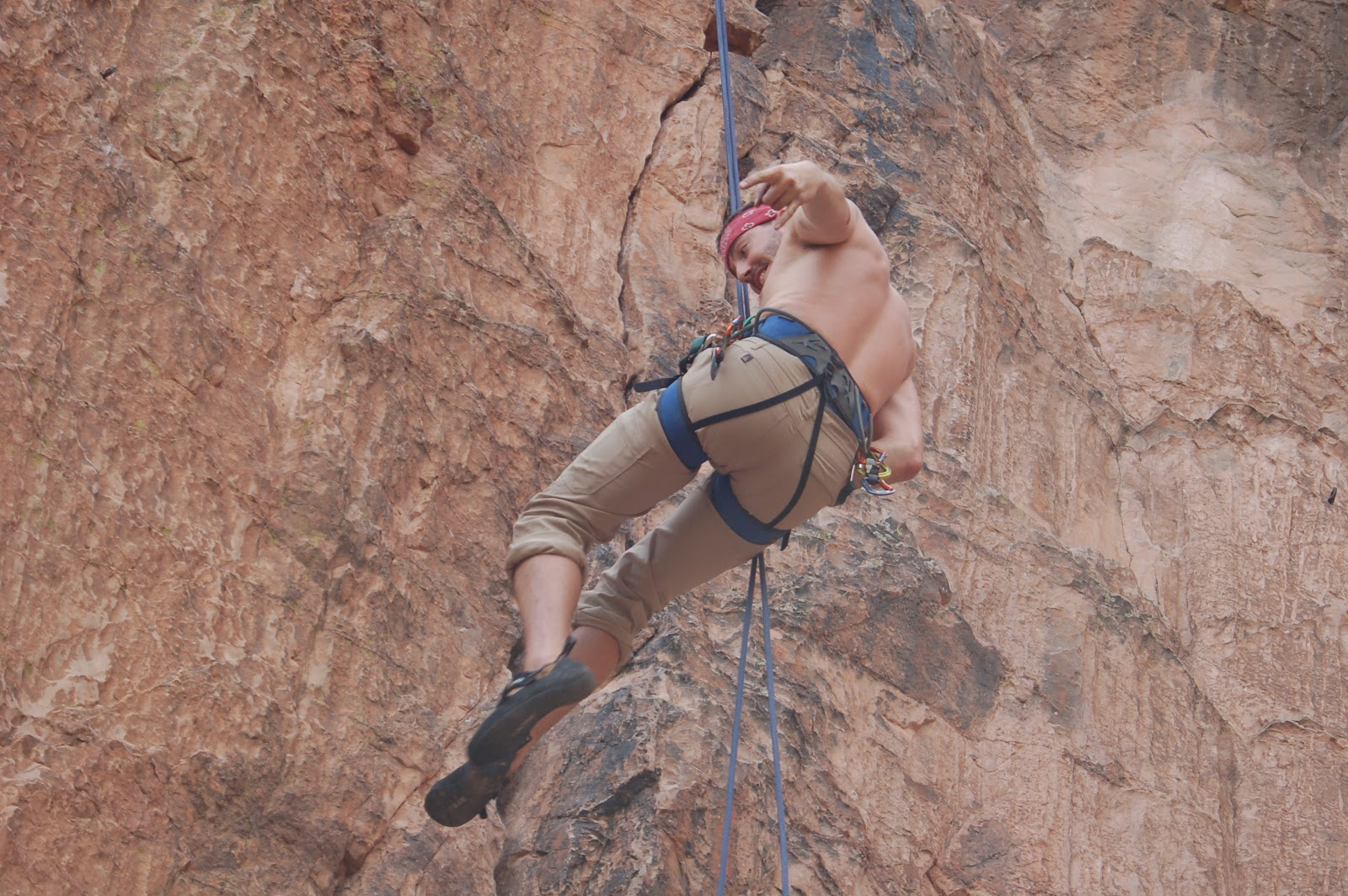 Rope trip climbing at the garden of the gods colorado - Garden of the gods rock climbing ...
