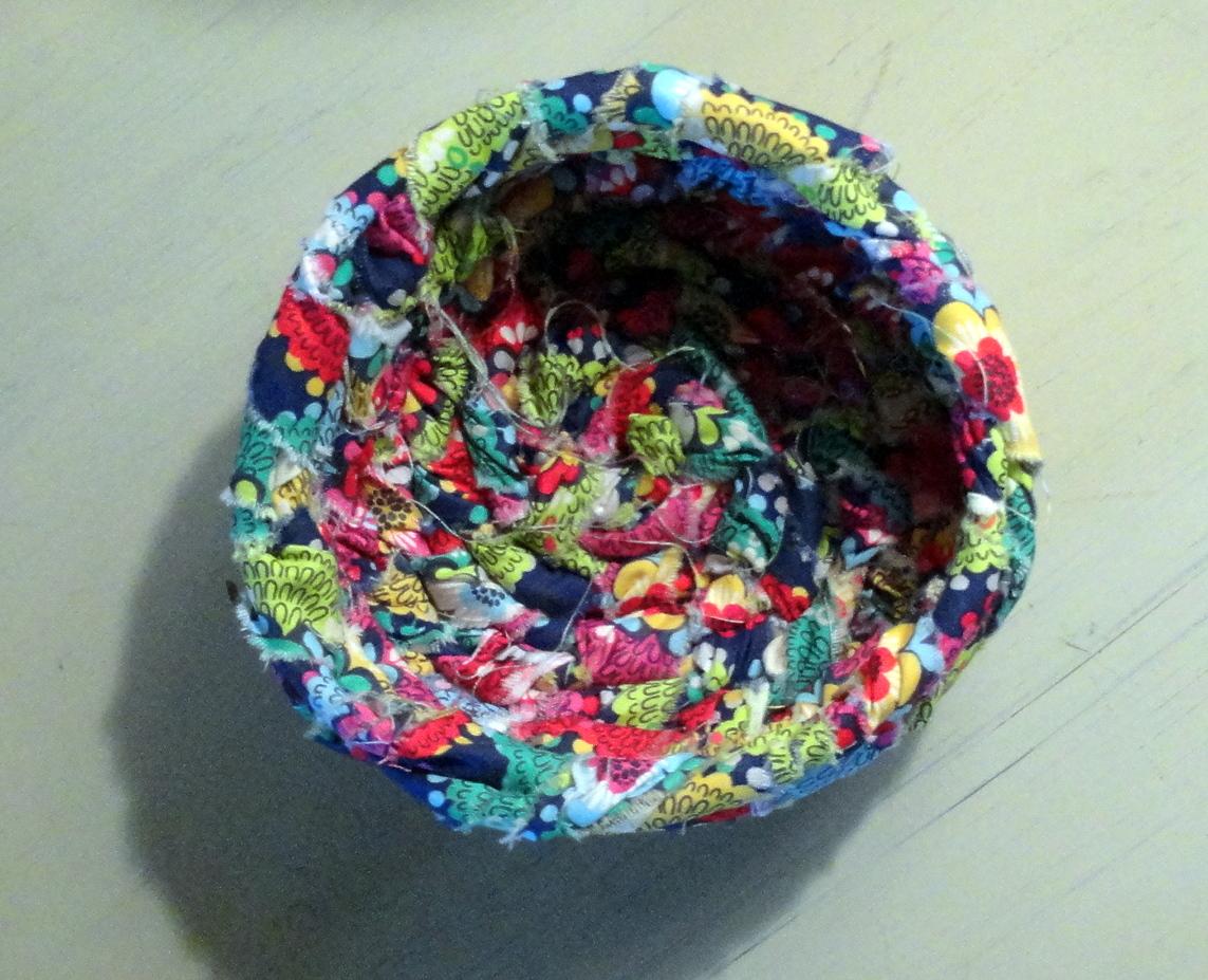 woven clothesline scrap fabric basket tutorial   rachel teodoro