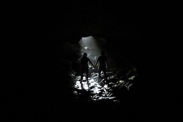 У выхода из второго грота Кургазакской пещеры