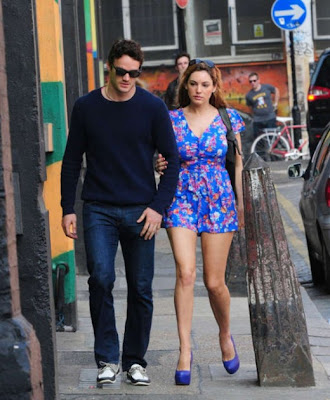 Kelly Brook Looking Hot in a blue flowery dress- 15 Pics