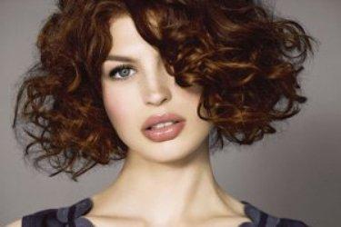 Top du meilleur tendance coiffure 2011 2012 - Carre plongeant frise naturel ...