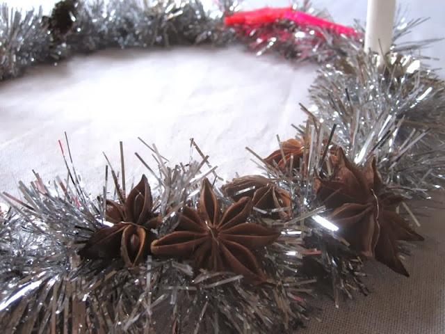 Syntetisk glitter + natur møder neon + duften af jul = Funky ...