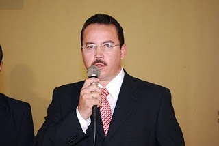 http://4.bp.blogspot.com/-2cLZ5nAl4xY/T8emCgn8oVI/AAAAAAAAHzI/x7kcHIMKSgo/s1600/Marcos.jpg