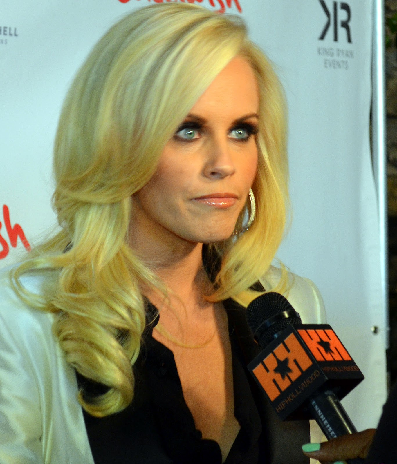 Jenny McCarthy : Jenny McCarthy To Pose For Playboy Again