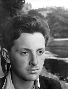 """brodsky essay Free essay: additionally, keller needs to not """"hover over his shoulder"""" too much because this could make it more difficult for brodsky to get his work."""