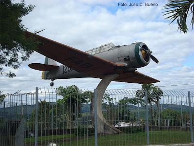 Avião símbolo de Paraguaçu
