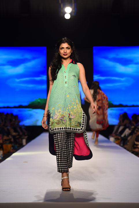 Sania Maskatiya 2015 Fashion Week collection, TFPW15, Telenor Fashion Pakistan Week, Spring Summer 2015, ss15, trends of 2015, fashion week, fashion show in Pakistan, Fashion addiction, Lawn season, Al Karam lawn, fashion blogger, Hot Pakistani Models, redalicerao, red alice rao, Fashion Pakistan Council, Pakistan fashion, Luxury Pret, Pret a porter