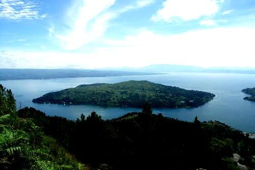 ... di akses dari Kota Muara, Balige dan Huta Nainggolan Pulau Samosir