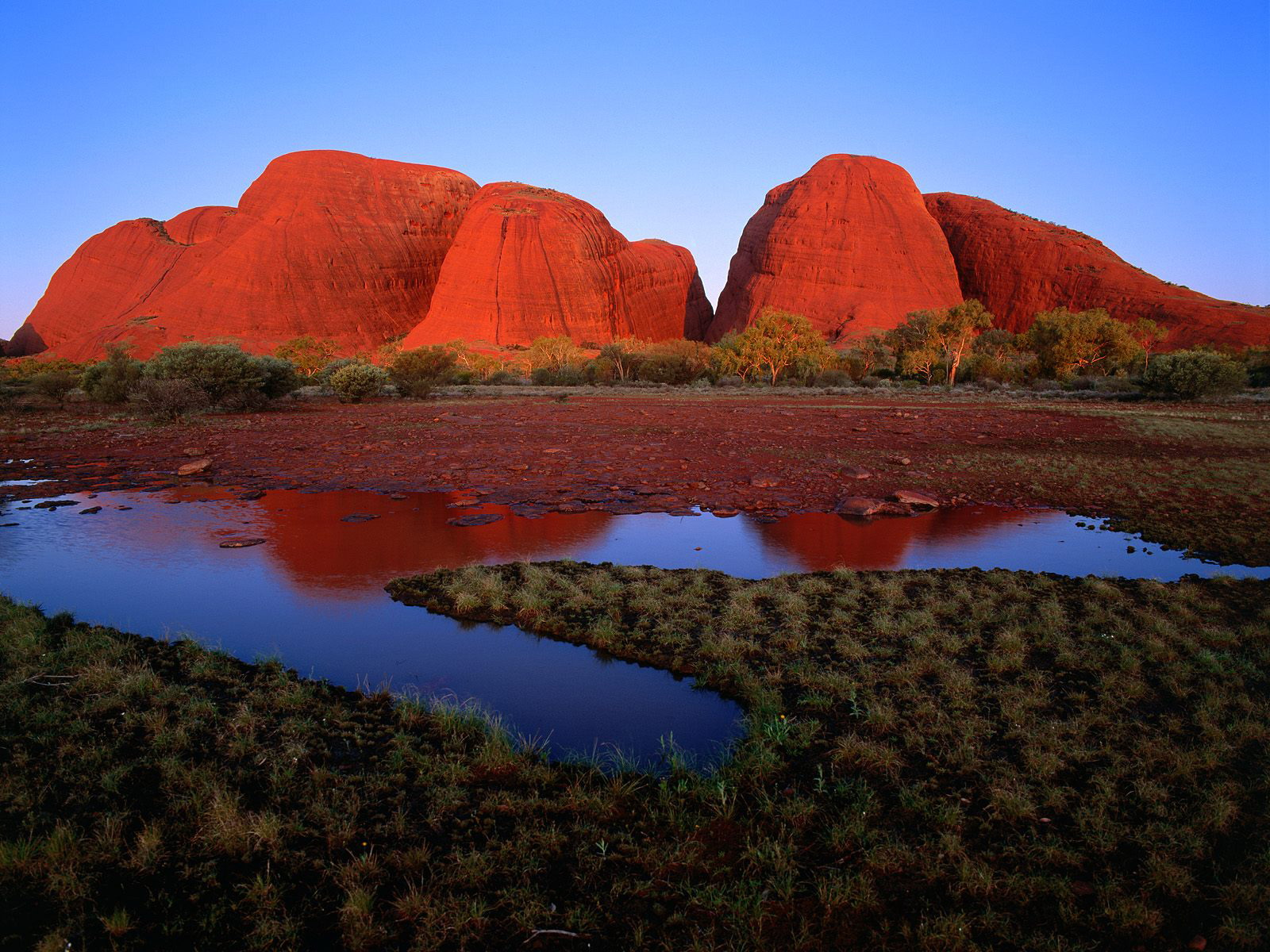 Uluru ayers rock australia travel guide information travel and tourism - Australian tourism office ...