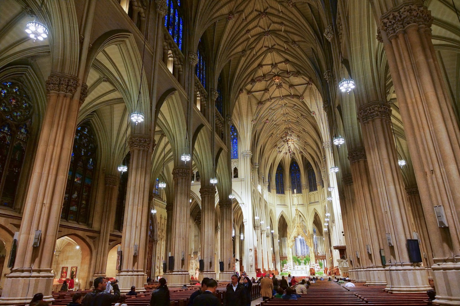 The United States of the Solar System, A.D. 2133 (Book Six) - Page 3 NYC_-_St._Patrick's_Cathedral_-_Interior