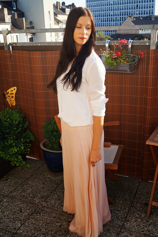 Caprice loves fashion/blog/blogger/Maxirock, Dorothy Perkins/ Bluse/ weiss/Sommer/ Outfit.