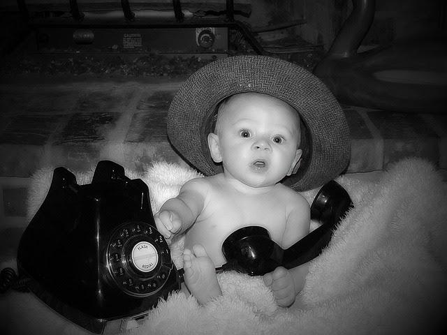 niños_telefono_juguete