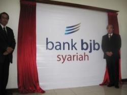 Lowongan kerja terbaru PT Bank BJB Syariah, Lowongan D3 S1 Fresh Graduate Pengalaman