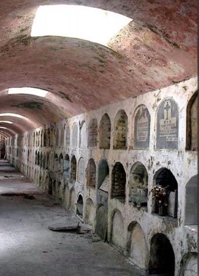 Cementerio San Carlos Borromeo