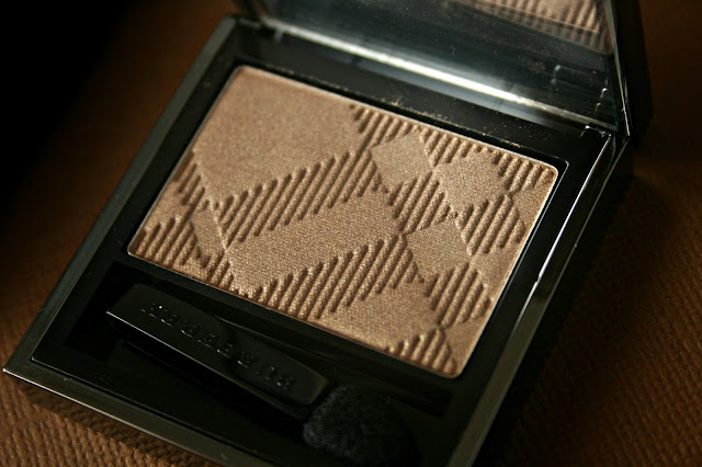 Burberry Beauty Sheer Eye Shadow in Pale Barley No.22