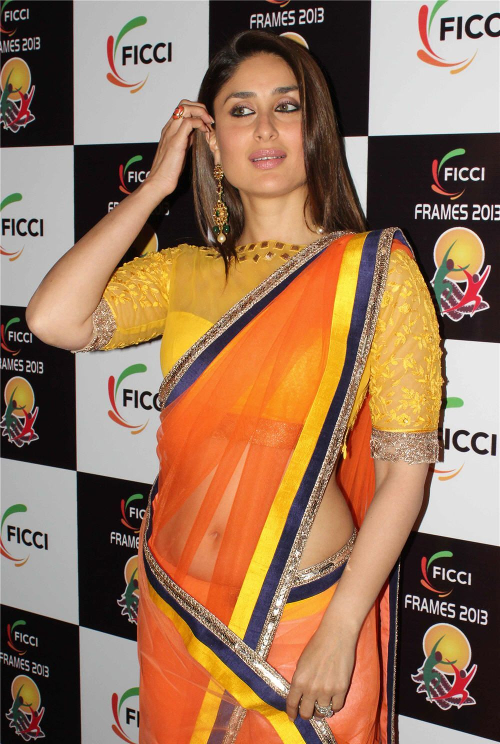 Decorative and Glamorous Kareena latest pic in orange saree hq photo gallery