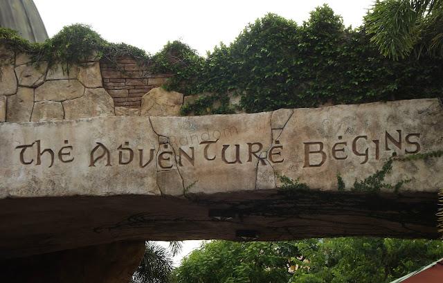island of Adventures Sign