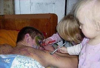 funny pictures: kids father drawing