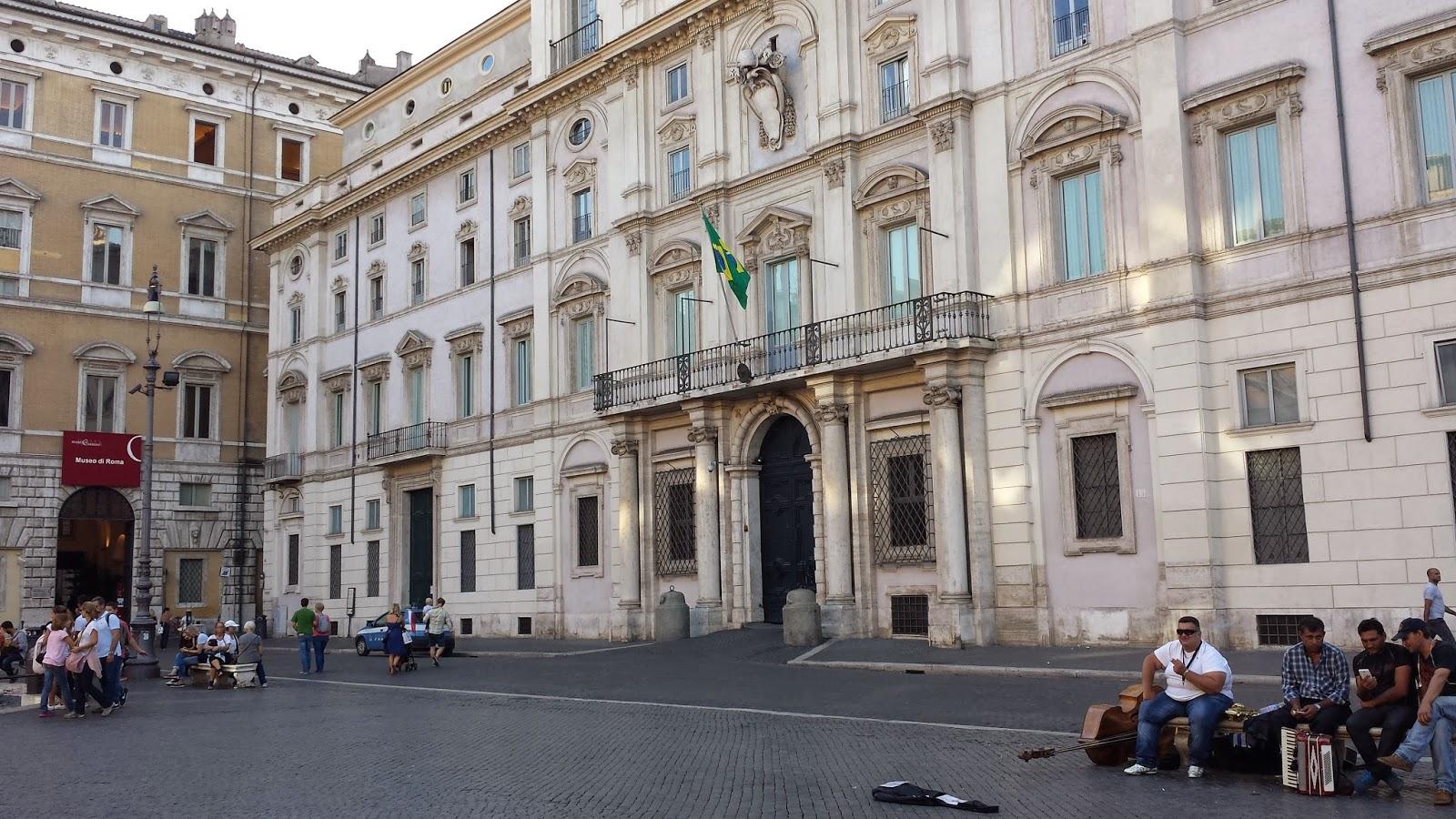 Blog do Cadeirante: Cadeirante na Itália Roma #4E6F7D 1600x900 Banheiro Adaptado Restaurante