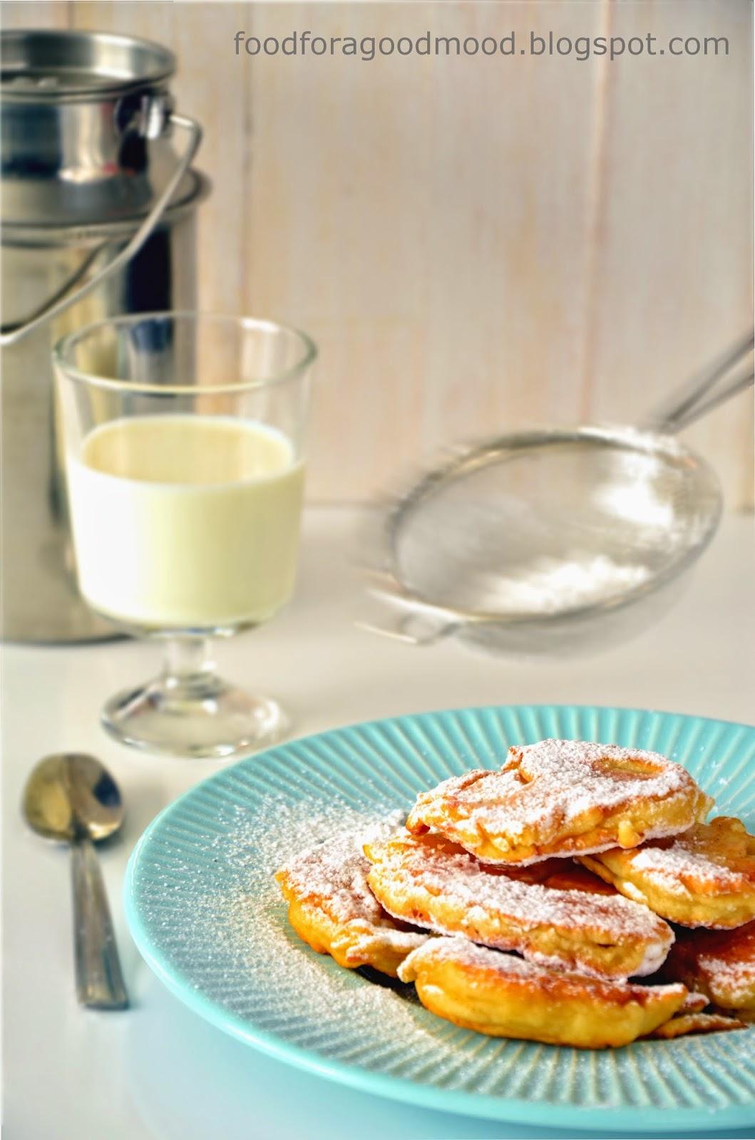 Proste danie, które w bardzo przyjemny sposób zaskakuje smakiem. Lekka słodycz przeplata się tutaj z odrobiną cytryny i wanilią. Dodatkowo smak podkręca masło klarowane. Dzieciaki oszaleją, ale dorośli też będą zadowoleni.