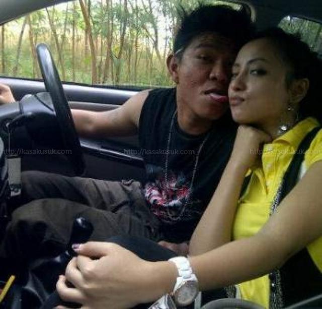 FOTO+MESRA+ANDIKA+KANGEN+BAD Foto Andika Kangen Band Ciuman Dengan Istri Baru