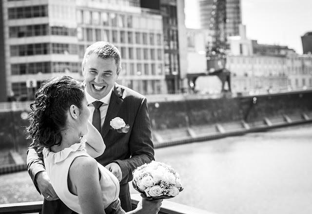 Hochzeitsshooting im Medienhafen Düsseldorf