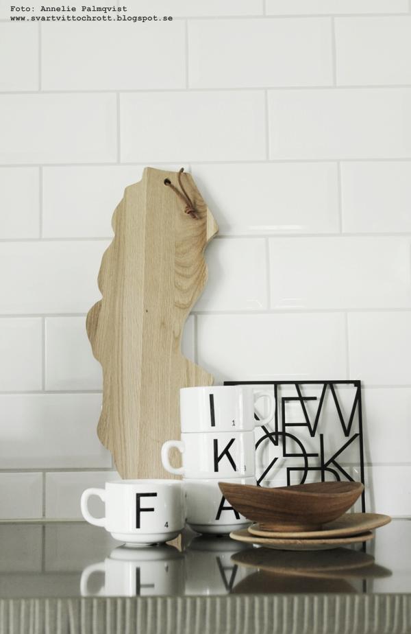 grytunderlägg, underlägg, new yprk, detaljer, köksdetaljer, kök, köket, kökets, skärbräda sverige, skärbrädor, sverige, svartvita, kaffekoppar, koppar med bokstäver, svartvitt, annelie palmqvist, anneliesdesign