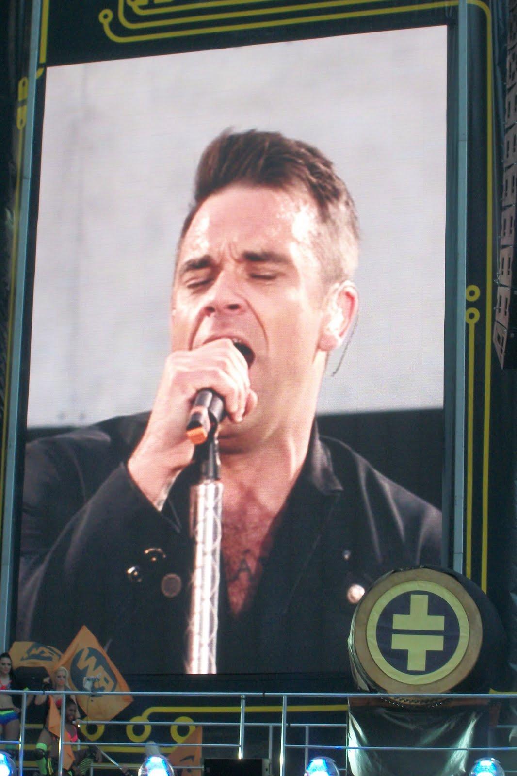 http://4.bp.blogspot.com/-2fOU3zK5tVU/TeoKNaS_5VI/AAAAAAAABQM/J8882qlt9yY/s1600/Take+That+Progressed+Robbie+Williams.jpg