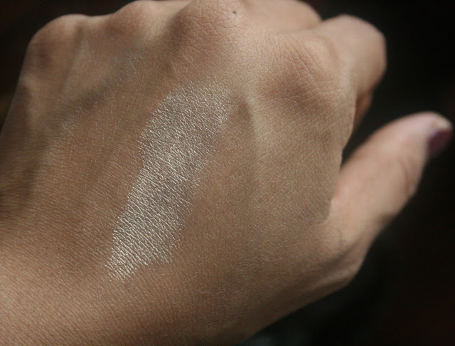 KIKO Cosmetics Dazzling Highlighter in Pure Gold Swatch