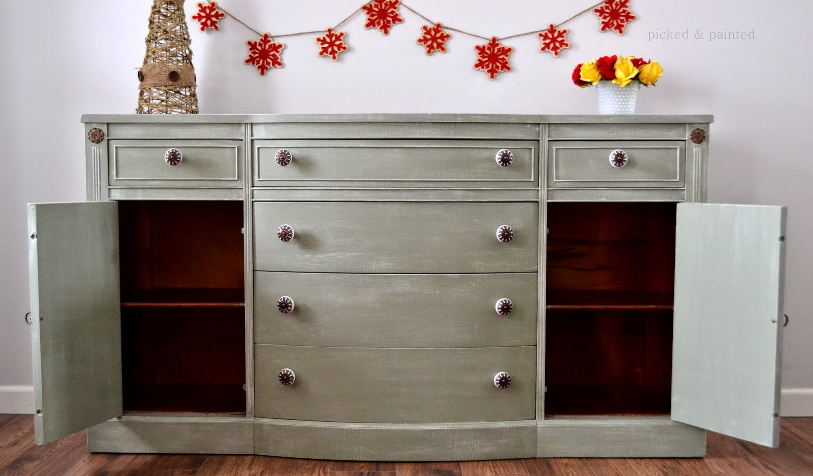 Helen nichole designs for Furniture 80s band