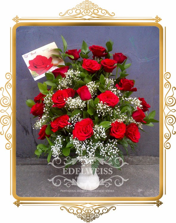 rangkaian bunga mawar merah