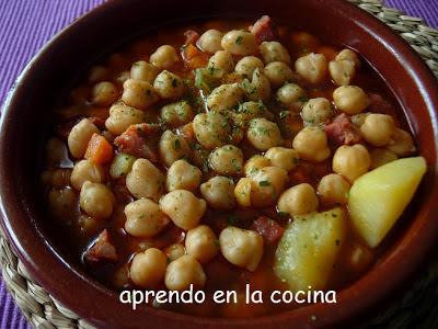 Aprendo en la cocina guiso de garbanzos con chorizo for Cocinar garbanzos con chorizo