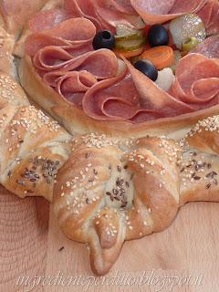 ancora pane turco...centrotavola di pane per un brunch in giardino