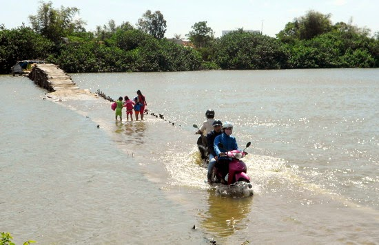 Qua cầu Bến Gỗ mà kinh, Bình Định