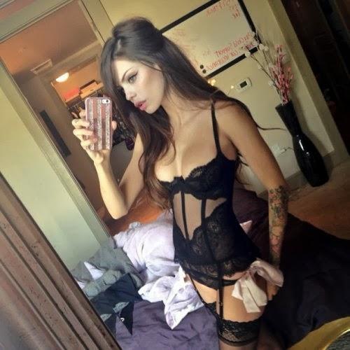 Brunette lingerie selfie