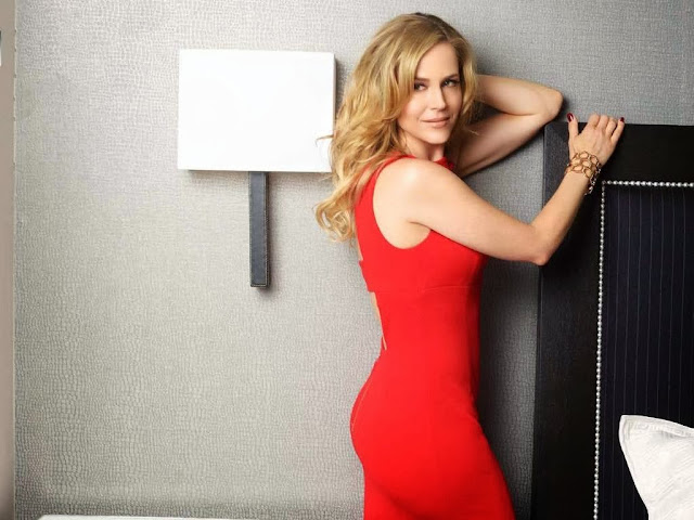Julie Benz Wallpapers Free Download