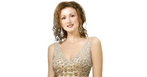 http://4.bp.blogspot.com/-2gLt5tdB0XA/TnXmq4XXeuI/AAAAAAAAAVQ/TVRPp4HsYM0/w1200-h630-p-k-no-nu/Most+beautiful+women+wearing+dress+%25283%2529.jpg