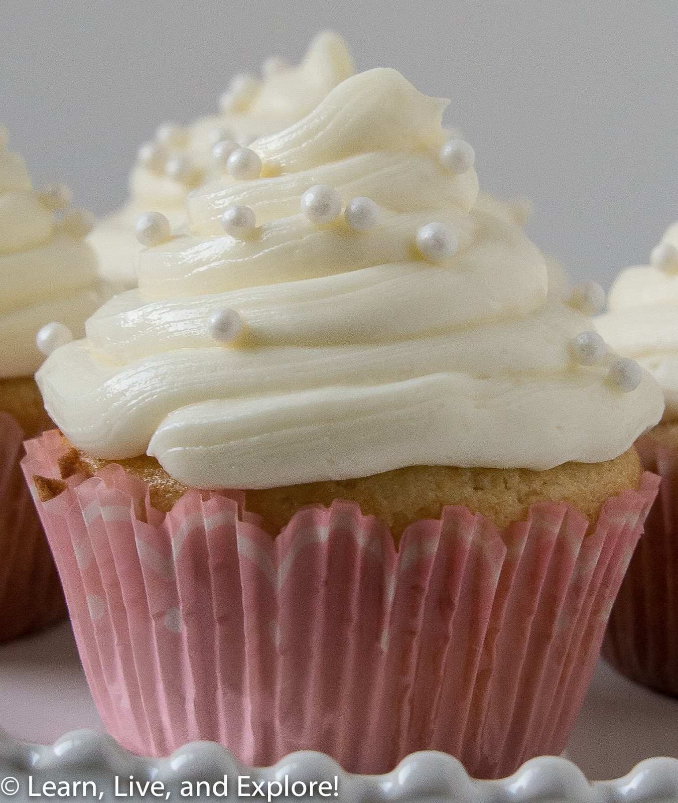 February Cupcake of the Month - Champagne Cupcakes ~ Learn, Live, and ...