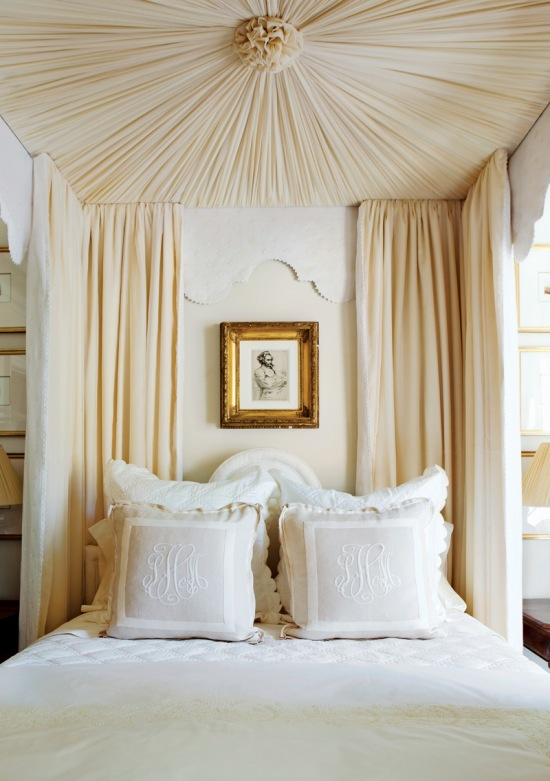 Fashionistas beware olivia palermo and more for Gold canopy bed frame