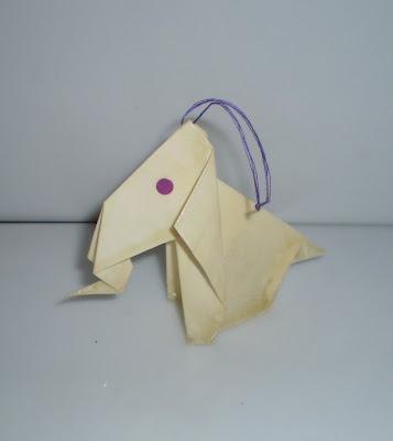 Papírból hajtogatott elefánt