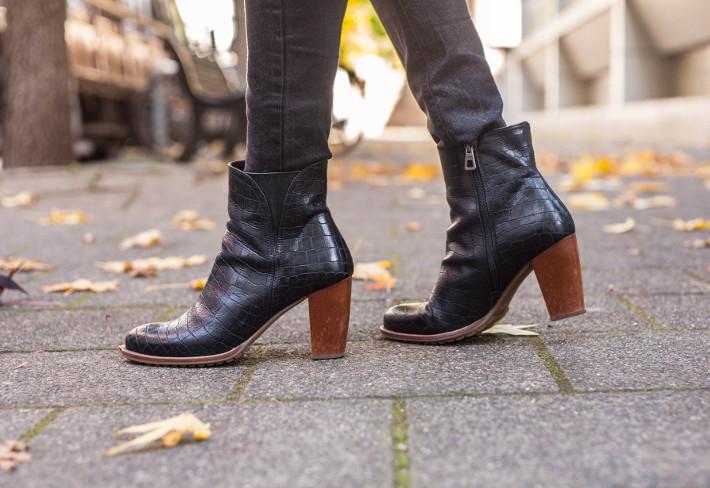 Zinda croc boots