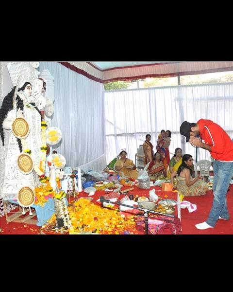 Ranbir Kapoor & Ileana at Anurag Basu's Saraswati pooja