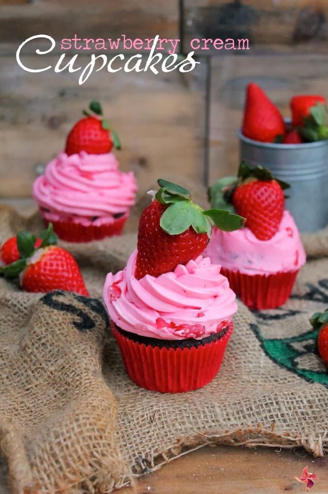 Receta cupcakes de chocolate con frosting de Crema de Fresas