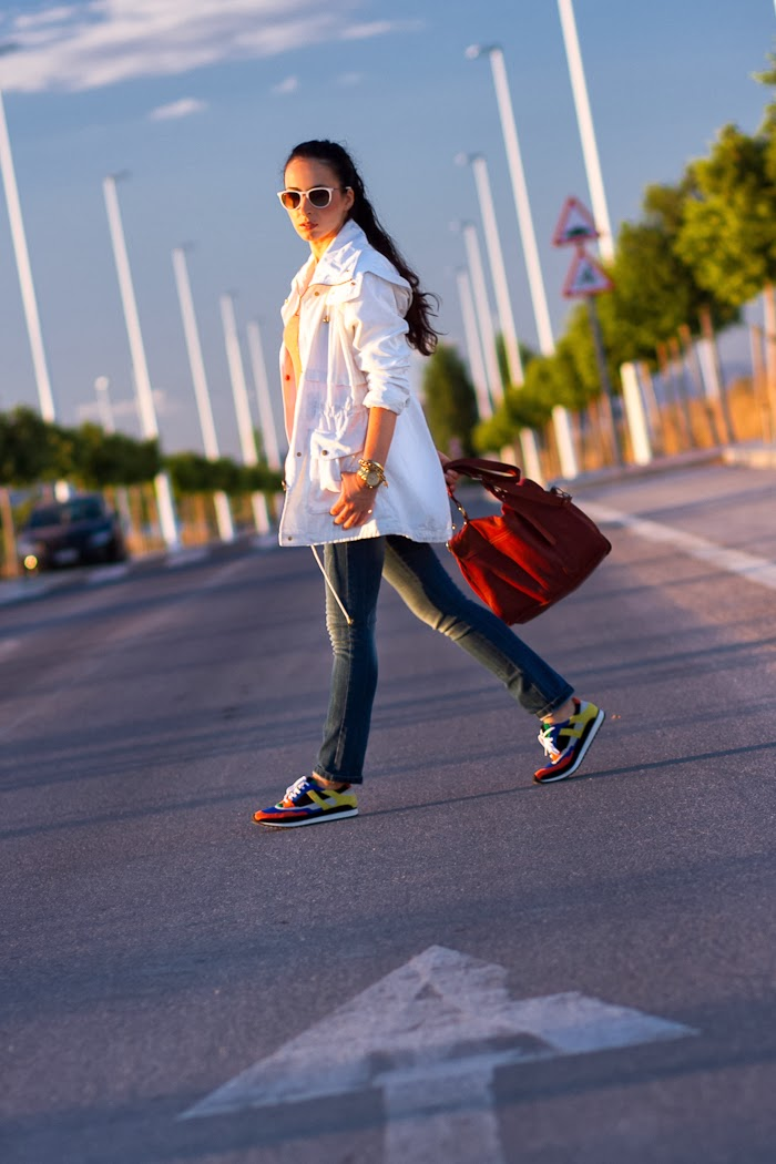 SPORTY STYLE: MULTICOLORED SNEAKERS and WHITE PARKA